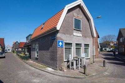 Zeestraat 2, Den Oever