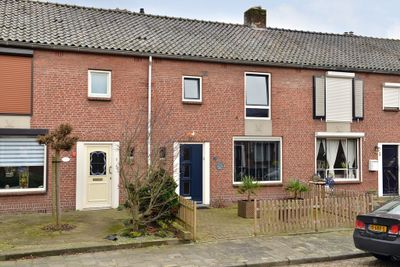 Wethouder Jonkersstraat 15, Halsteren