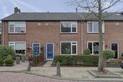 Burgemeester Dekkingstraat 3, Streefkerk