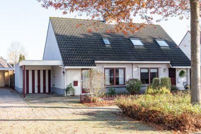 Wilhelminalaan 62, Dodewaard