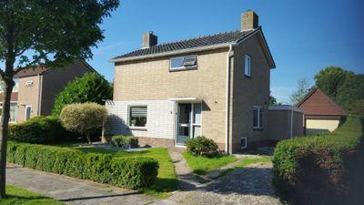 Steenpoel 8, Haulerwijk