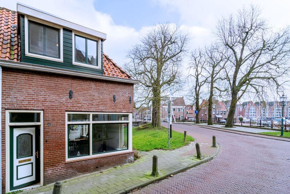 Zon 2, Hoorn