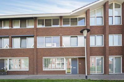Wezelplein 10, Helmond