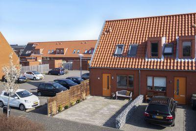 Albertvillelaan 21, Nieuw-vennep
