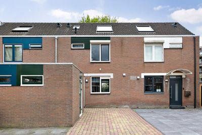 Selma Lagerlof-erf 237, Dordrecht