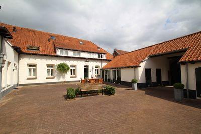 Dorpsstraat 83, Heel