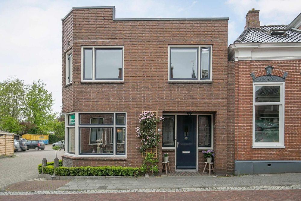 Hoofdstraat W 42, Winsum