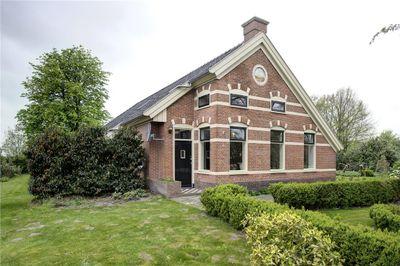 Ruiten A Kanaal West 22, Veelerveen