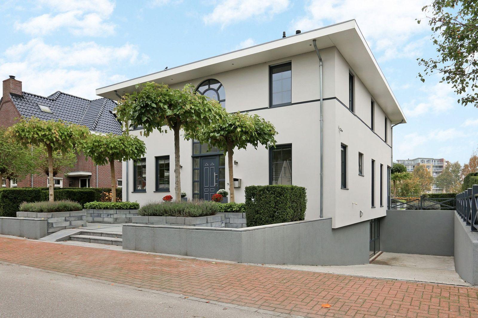 Damhert 11, Hoogeveen