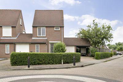 Notaris van Aalstweg 14, Waardenburg