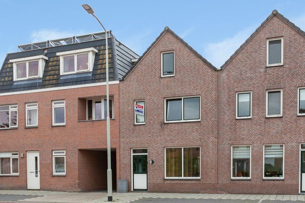 Bredaseweg 136, Roosendaal