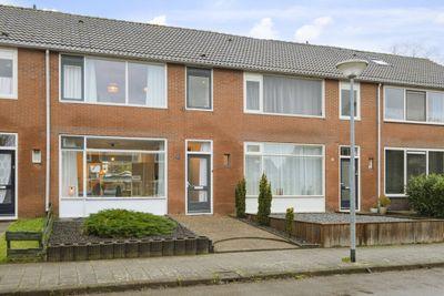 Heuvelstraat 21, Winschoten