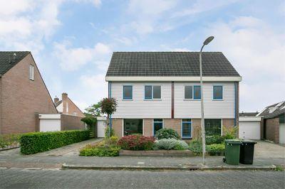 Klaverkamp 24, Hoogeveen