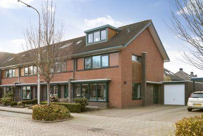 Schoklandstraat 32, Hoogeveen