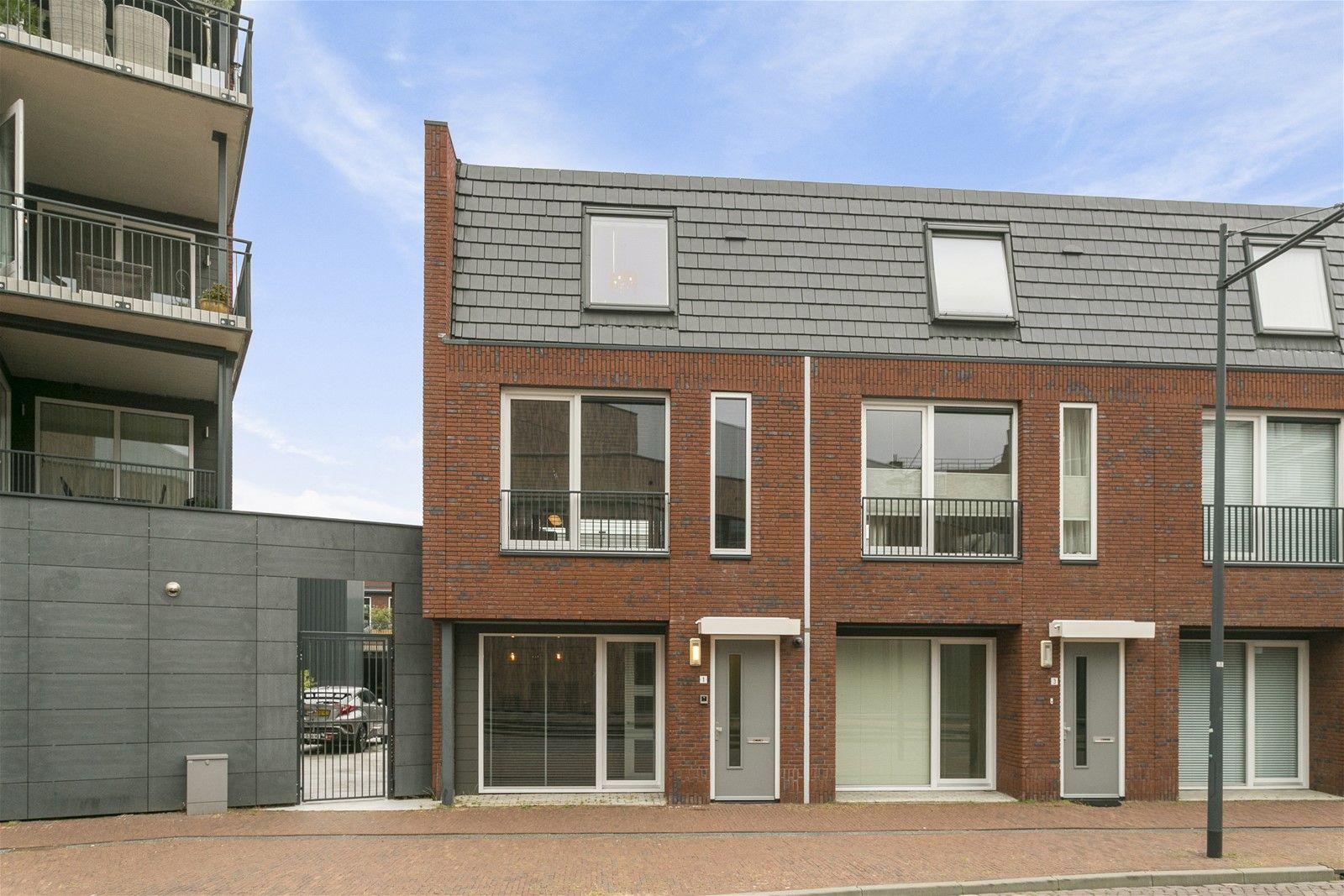 Valkenstraat 1, Oosterhout