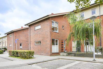 Sarabande 77, Nieuw-vennep