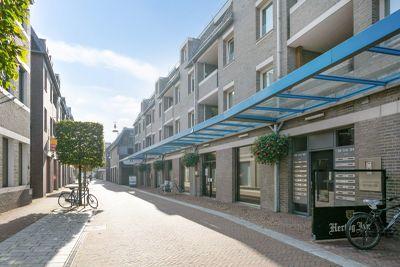 Raadhuisstraat 28, Deurne
