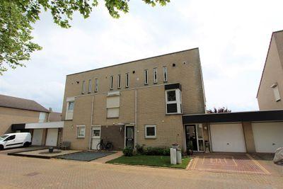 Beatrixlaan 44, Maasbracht