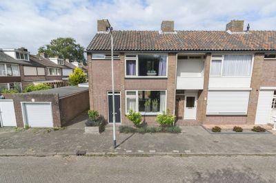 Aelbert Cuypstraat 1, Roosendaal