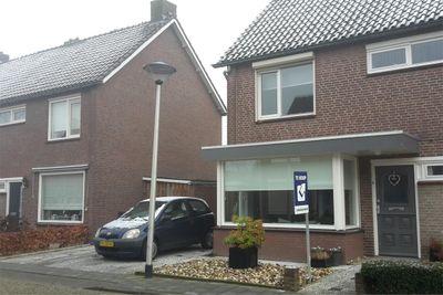 Dennehoutstraat 9, Helmond