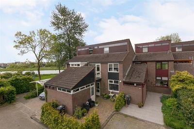 Zwenkgras 46, Leeuwarden