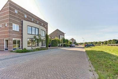 Damloper 45, Oosterhout