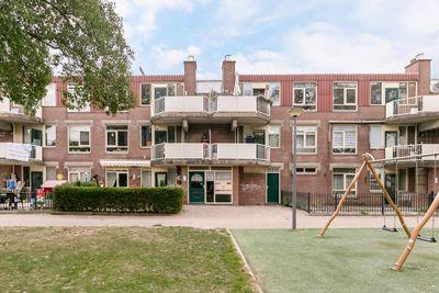 Hunenborgplantsoen 21, Rotterdam