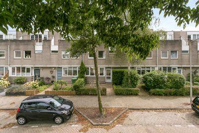 Harriët Freezersingel 24, Leiden