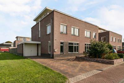 Kapitein Hazewinkelstraat 1, Veendam