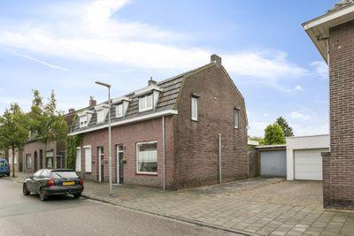 Weustenraedtstraat 44, Hoensbroek