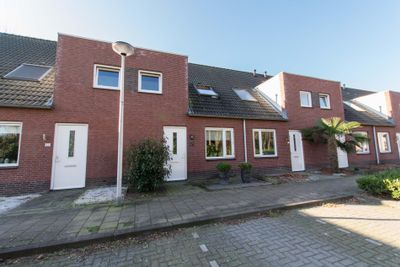 Zr Will van Hooijdonkstraat 13, Putte