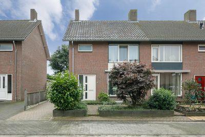 van Lieshoutstraat 34, Helmond