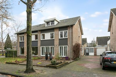 Esschebaan 50, Oisterwijk