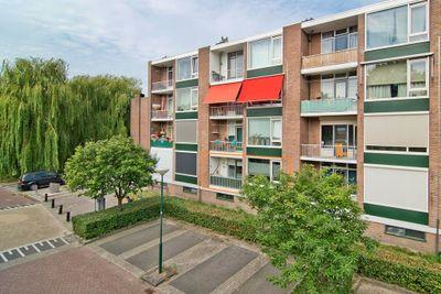 Schrijverspark 153, Veenendaal