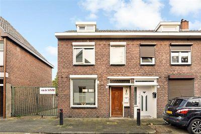 Kapelstraat 32, Tilburg