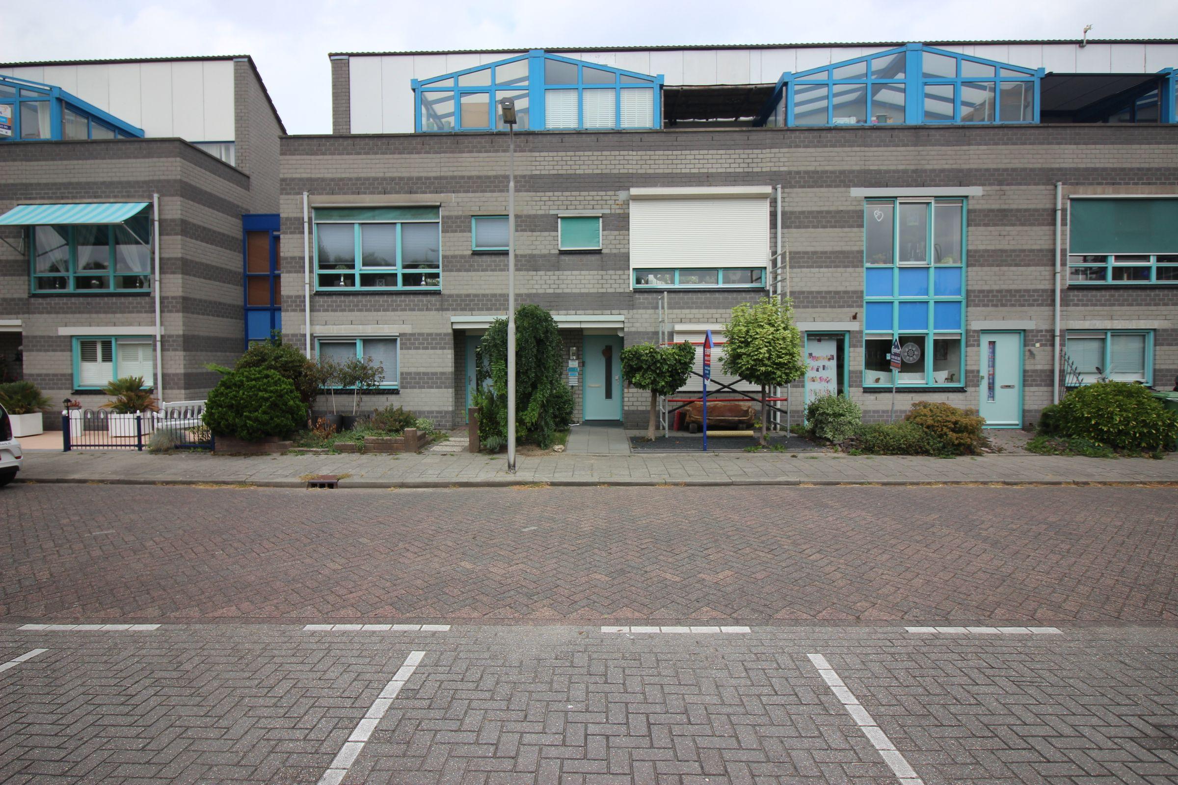 Erasmuslaan 12, Ridderkerk