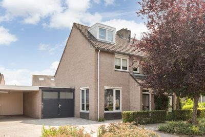 Brabantlaan 8, Aarle-Rixtel