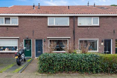 Von Lindernstraat 5, Alblasserdam
