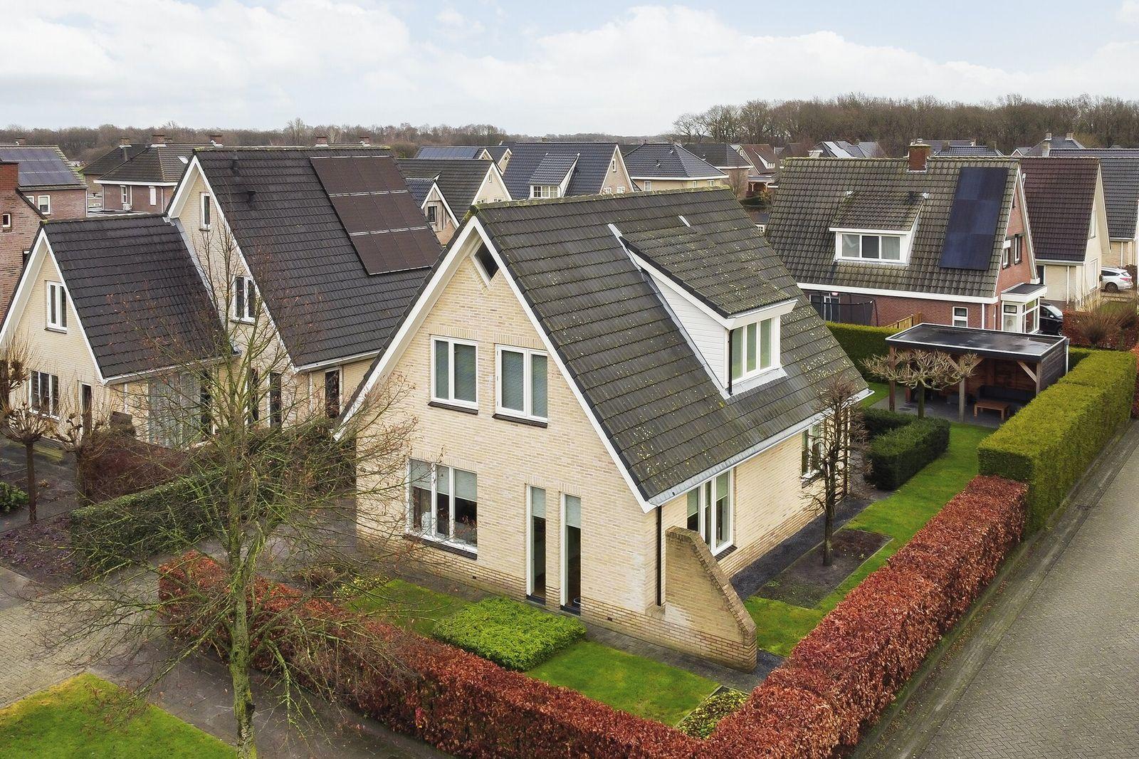 Bark 30, Nieuw-amsterdam