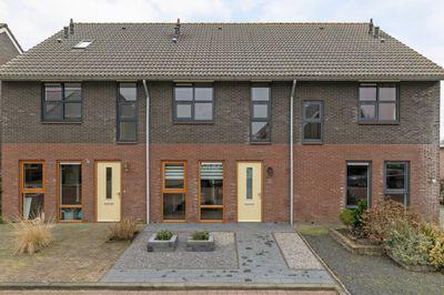 Wethouder Huismanstraat 9, Wanneperveen