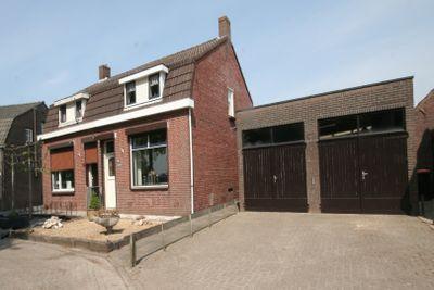 Krommeweg 16, Steenbergen