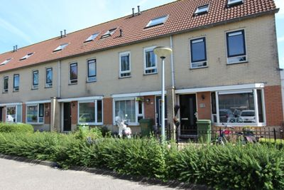 Florrie Rodrigostraat, Almere