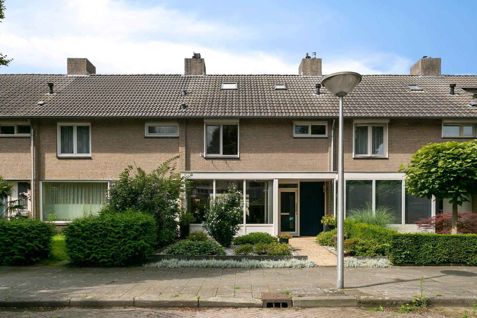 Aardbeistraat 5, Eindhoven