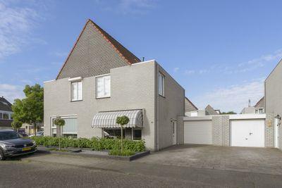 Kennemerland 3, Helmond
