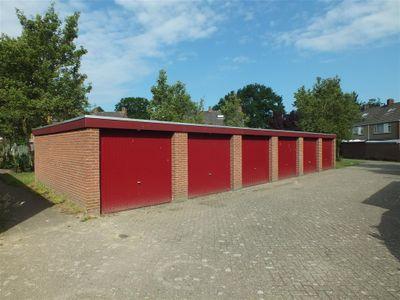 Burg van Leentstraat 74-Box E, Grubbenvorst
