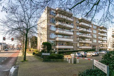 Haagplein 2, Leiden