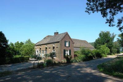 Leinserondweg 11, Veghel