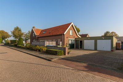 Maarten van Rossumweg 5, Poederoijen