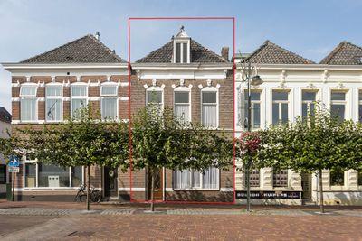 Markt 13, Steenbergen