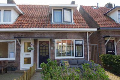 M A de Ruyterstraat 30, Meppel